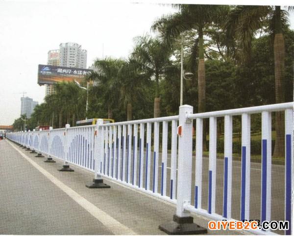 广州市城市公路防撞栏杆护栏用镀锌管焊接的