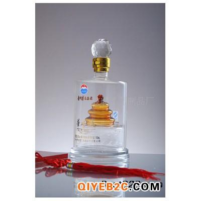 河北高硼硅玻璃白酒瓶源头工厂定做各种工艺酒瓶