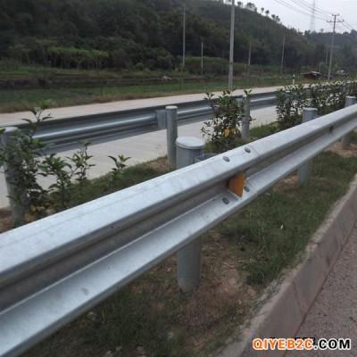 高速波形护栏镀锌板防撞护栏坚固可靠维修方便