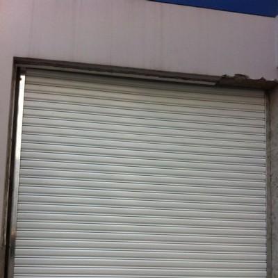 上海市奉贤区各种卷帘门 车库门 伸缩门 道闸安装维